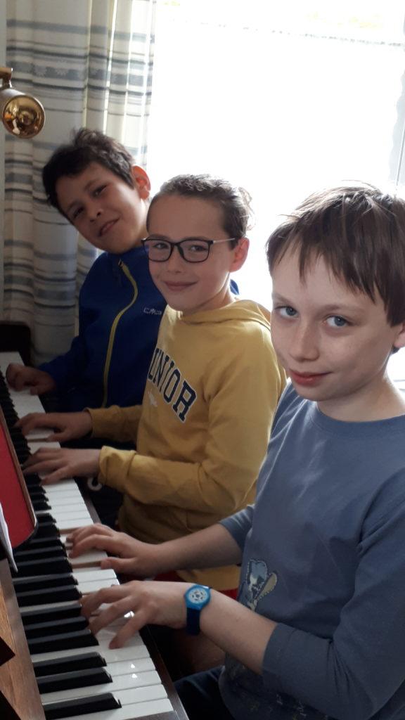 Unterricht am Klavier